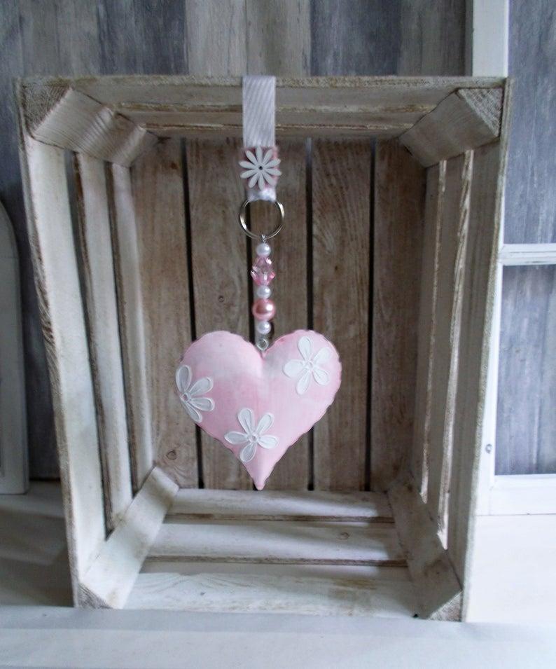 Fensterdeko, Hänger mit Metall Herz in rosa mit weißen Blüten, Türkranz