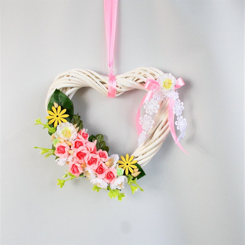 Kleinesbild - Türkranz, weißes Herz mit rosa Blüten, Fensetdeko