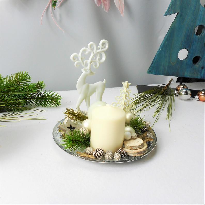 Kleinesbild - Adventsgesteck, weiß mit Kerze und Hirsch, edel, Weihnachtsdeko
