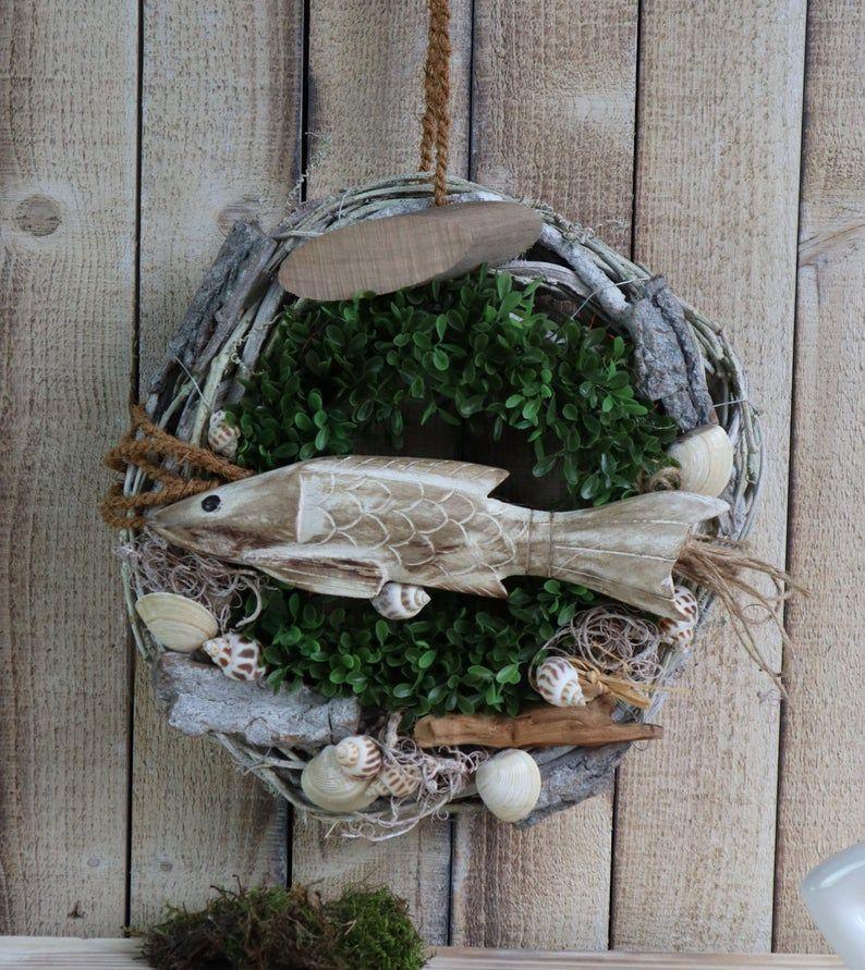 Kleinesbild - Türkranz maritim, Türkranz mit Fisch aus Holz, Kranz, Sommerdeko