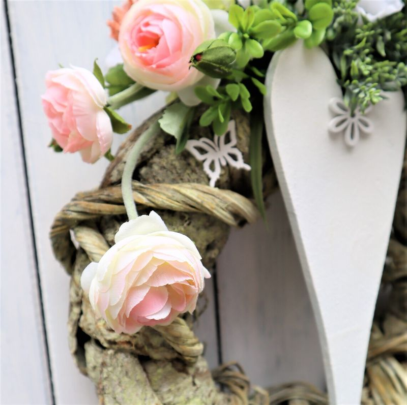 Kleinesbild - Türkranz, Kranz, Wandkranz mit weißem Herz