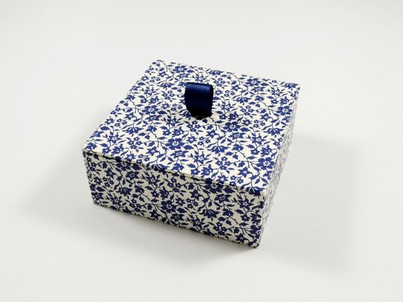 - Schachtel klein aber fein - blaue Blumen - Schachtel klein aber fein - blaue Blumen