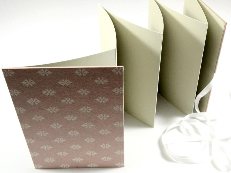 Kleinesbild - Leporello Fotoalbum Faltbuch in rosa Buchbindehandwerk von Pappelapier