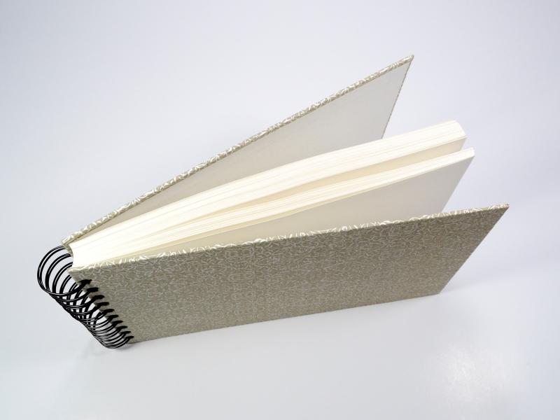 Kleinesbild - Tagebuch Skizzenbuch Notizbuch Rezeptbuch mit Spiralbindung Buchbindehandwerk von Pappelapier