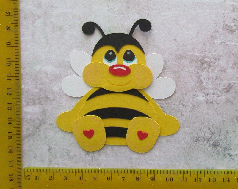 -   Stanzteil  Kartendeko  Kartenschmuck Scrapbooking Kindergeburtstag süße Biene -   Stanzteil  Kartendeko  Kartenschmuck Scrapbooking Kindergeburtstag süße Biene