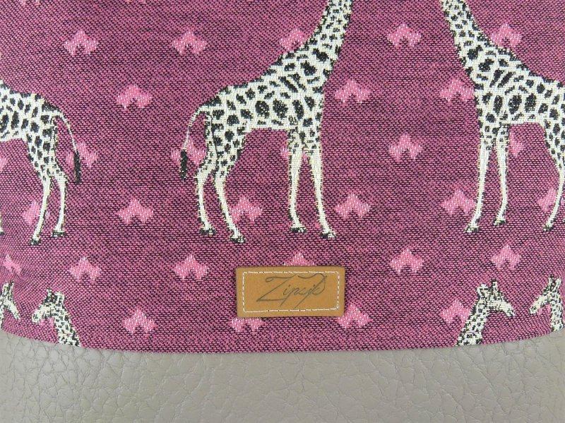 Kleinesbild - Umhängetasche in bordeaux mit Giraffen, Schultertasche