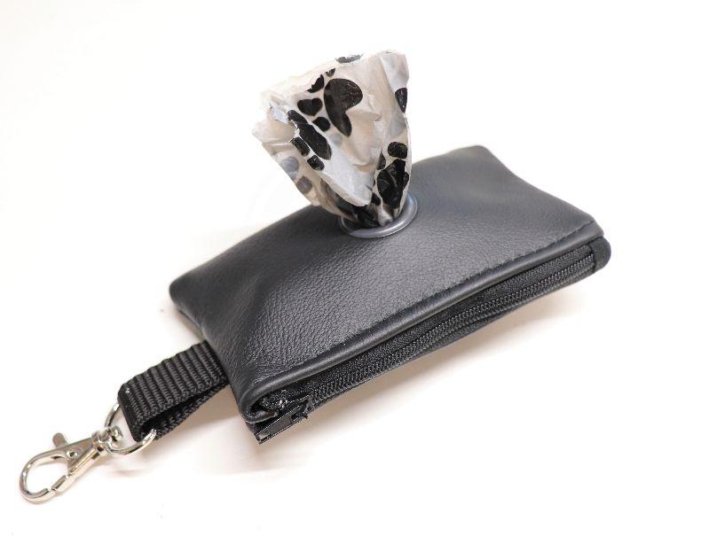 - Kotbeutelspender, genäht aus Leder, schwarz - Kotbeutelspender, genäht aus Leder, schwarz