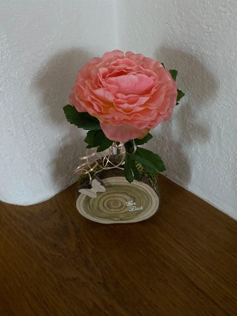 Kleinesbild - Muttertagsgeschenk, Holzscheiben mit schöner Maserung als Blumenvase