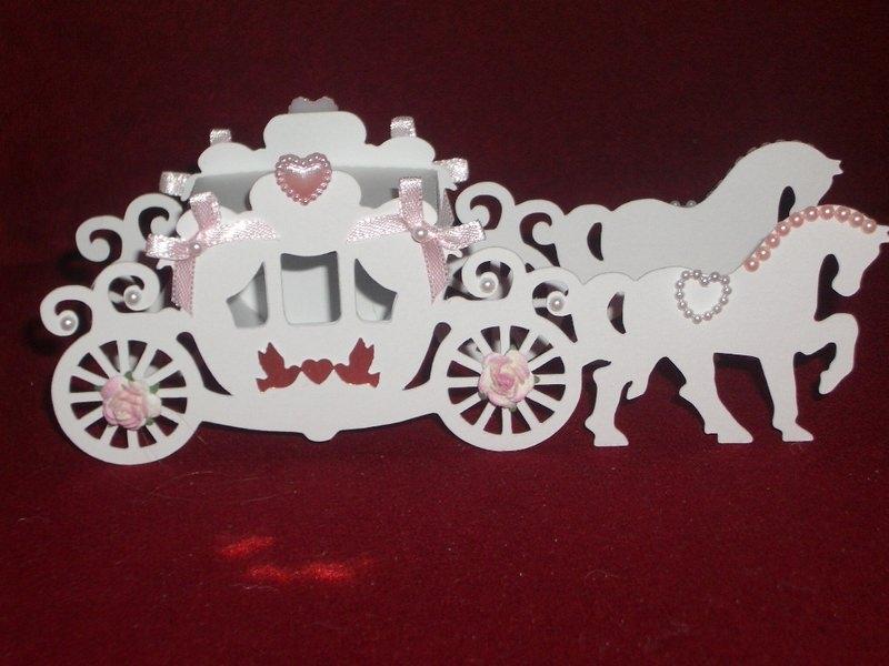 Kleinesbild - Gastgeschenke Kutsche Hochzeitskutsche Kartonagen Bonbonieren