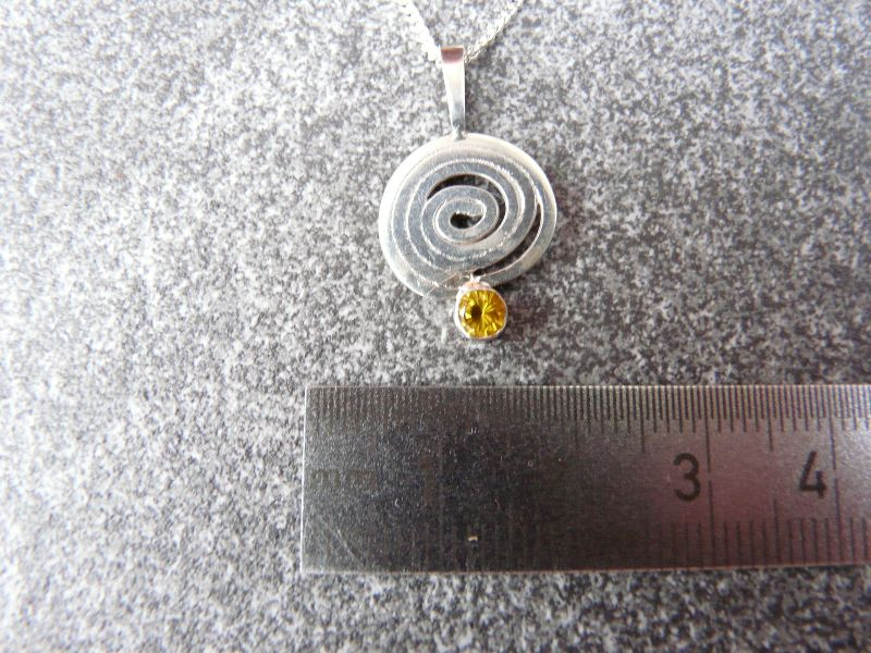 Kleinesbild - Silberkette mit Silberanhänger mit einem Citrin