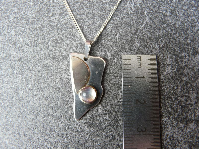 Kleinesbild - Silberkette mit Silberanhänger mit Goldauflage und Mondstein