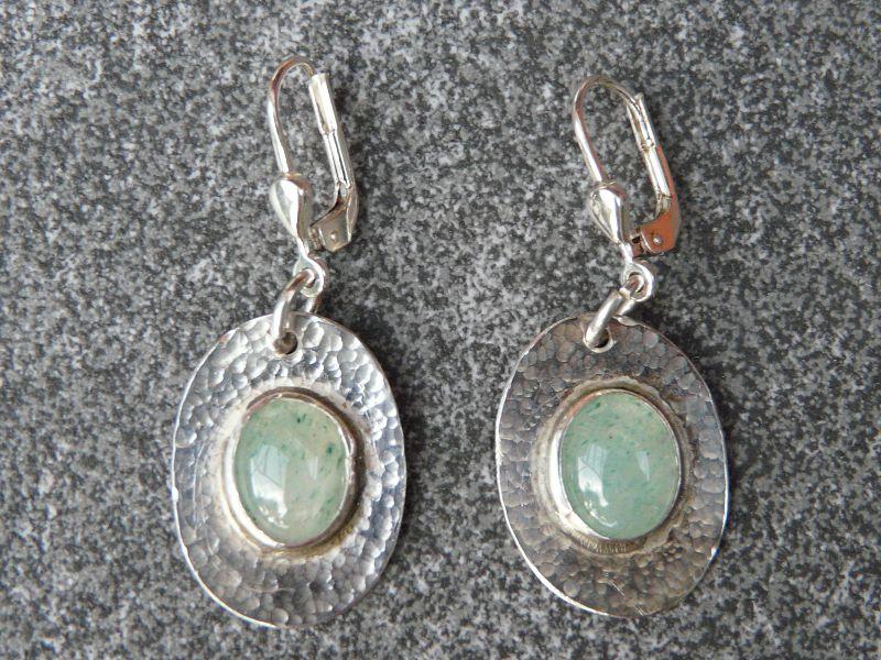 - Ohrhänger aus 925 Silber in ovaler Form mit 10x8 mm Aventurin Steinen  - Ohrhänger aus 925 Silber in ovaler Form mit 10x8 mm Aventurin Steinen