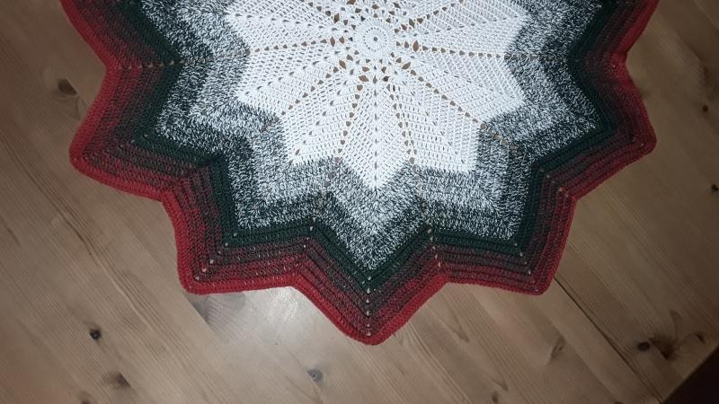 Kleinesbild - Weihnachtsdeckchen als Stern
