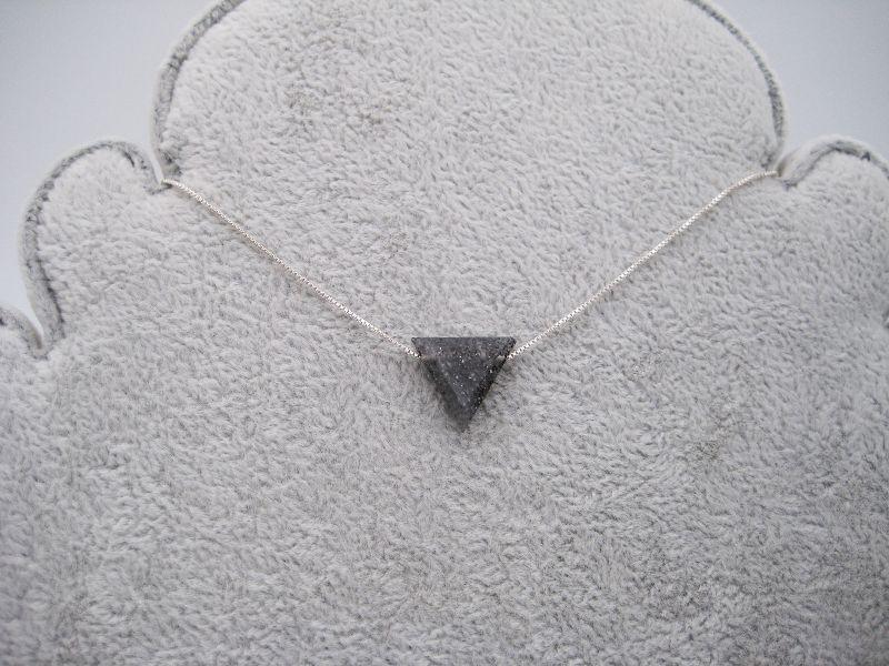Kleinesbild - Sonnenstein-Kette, schwarzer Sonnenstein, Dreieck, natürlich, 925 Silber, Goldfilled, Boxkette, zierlich, minimalistisch, Edelstein