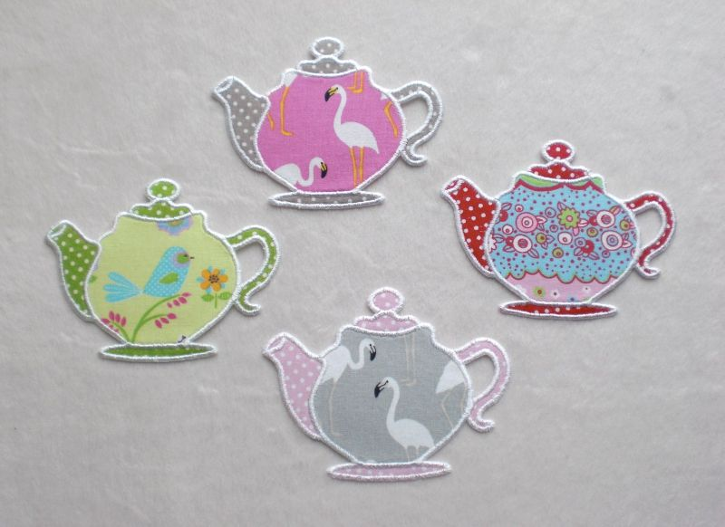 Kleinesbild - Teekanne, rosa, Stickapplikation