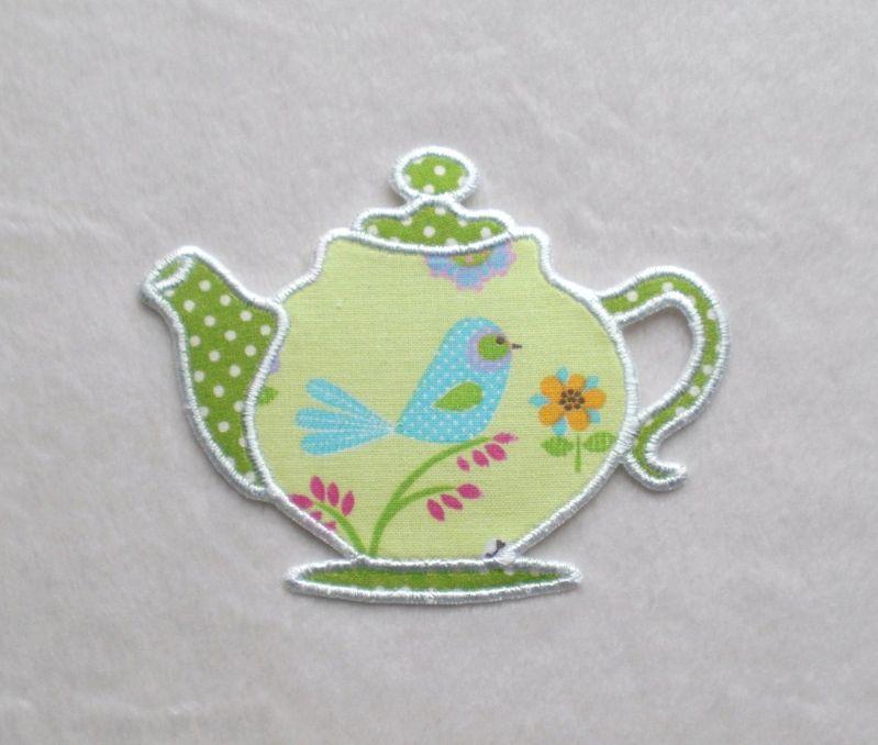 - Teekanne, Vogel hellgrün, Pünktchen, Stickapplikation           - Teekanne, Vogel hellgrün, Pünktchen, Stickapplikation