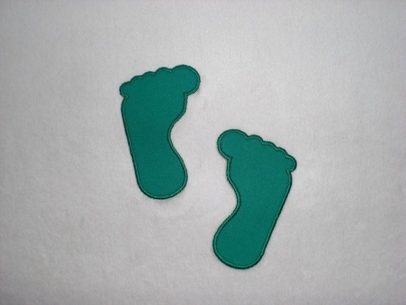 - 2 große Füße in petrol, Stickapplikation zum Aufbügeln                           - 2 große Füße in petrol, Stickapplikation zum Aufbügeln