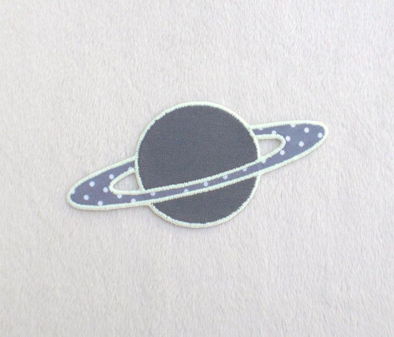 - Planet, Uni, grau, leuchtet im Dunkeln, Stickapplikation zum Aufbügeln              - Planet, Uni, grau, leuchtet im Dunkeln, Stickapplikation zum Aufbügeln