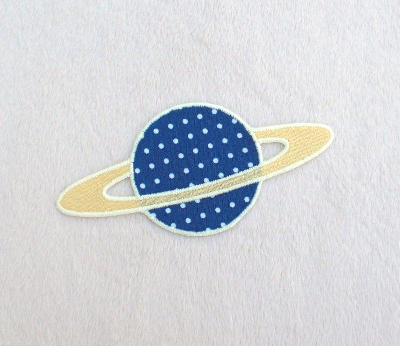 - Planet, Pünktchen, blau, leuchtet im Dunkeln, Stickapplikation zum Aufbügeln              - Planet, Pünktchen, blau, leuchtet im Dunkeln, Stickapplikation zum Aufbügeln