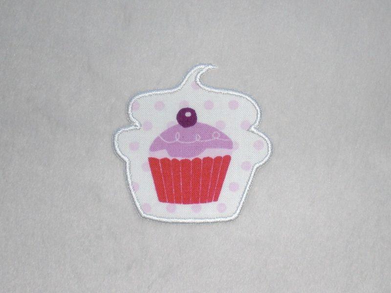 - Cupcake mit Kirsche in weiß, Nr.1, Stickapplikation zum Aufbügeln                 - Cupcake mit Kirsche in weiß, Nr.1, Stickapplikation zum Aufbügeln
