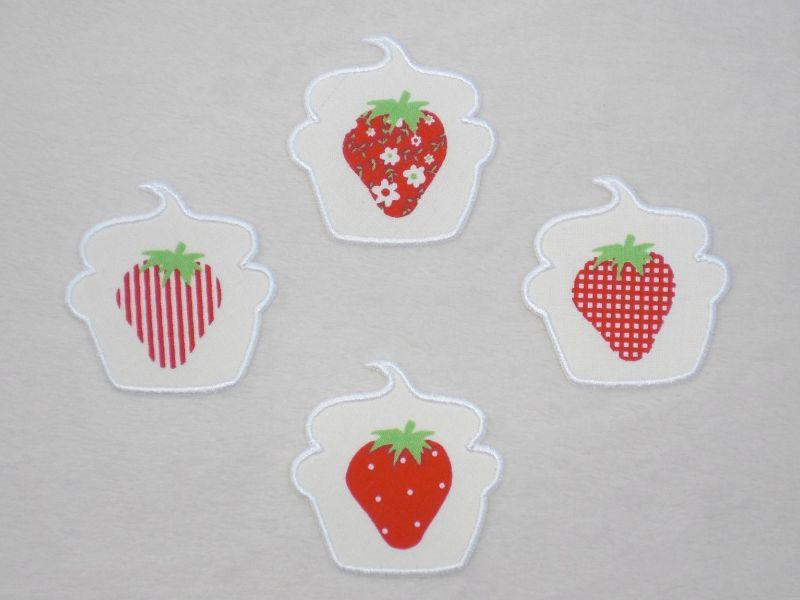 Kleinesbild - Cupcake Erdbeere mit Blüten in weiß, Stickapplikation zum Aufbügeln