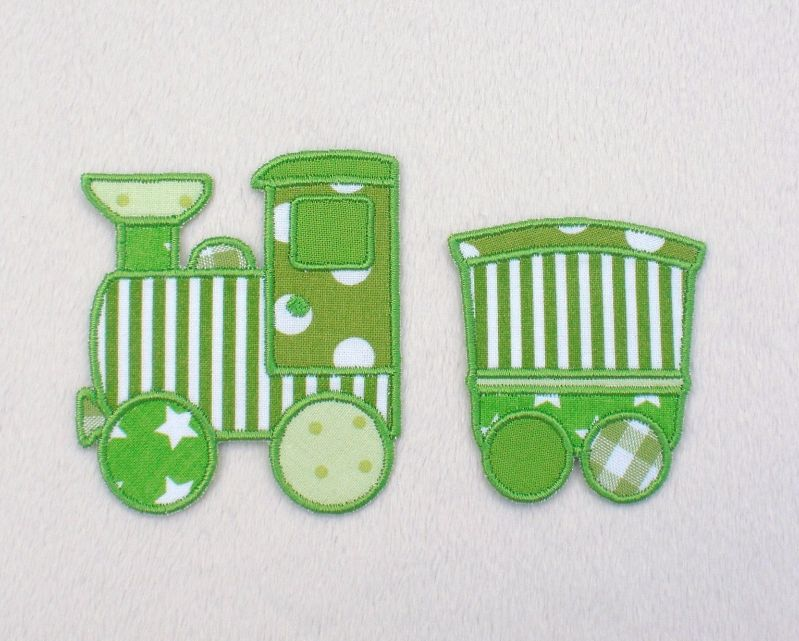 - Lokomotive mit Anhänger in grün, Nr.2, Stickapplikation zum Aufbügeln                - Lokomotive mit Anhänger in grün, Nr.2, Stickapplikation zum Aufbügeln