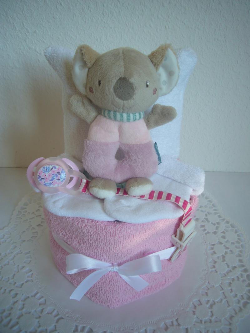 Kleinesbild - Windeltorte Mädchen Greifling flieder rosa Geburt Taufe Baby Geschenk