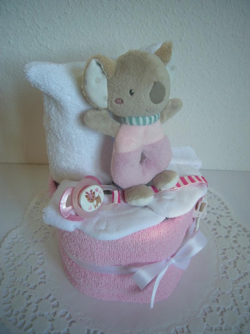 Kleinesbild - Windeltorte Mädchen Geburt Geschenk Taufe Greifling flieder rosa Babyparty Pinkelparty Babyshower Pullerparty