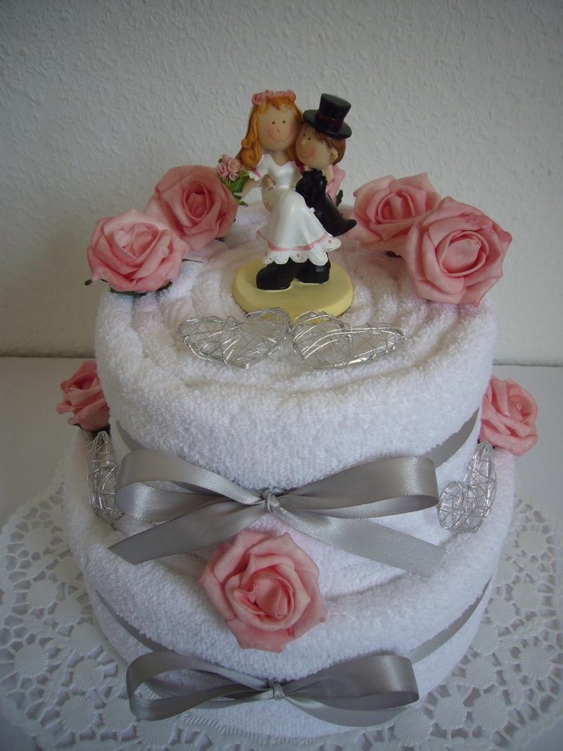 Kleinesbild - Hochzeitsgeschenk Herzen Rosen Geschenk Hochzeit Hochzeitstorte