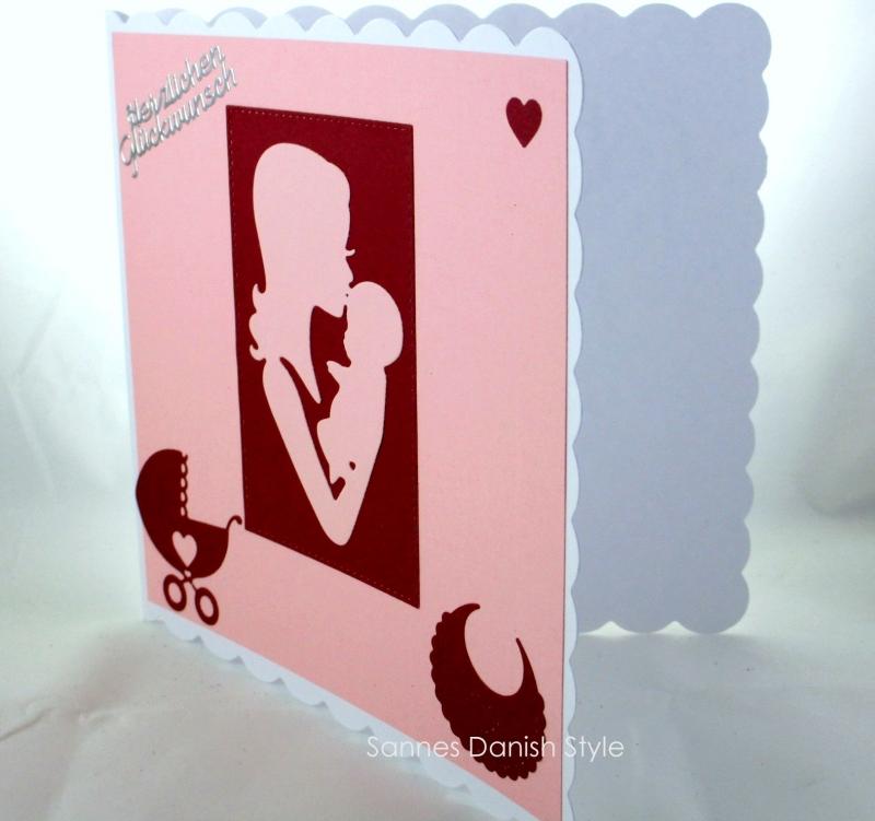 Kleinesbild - Mutter und Kind Geburtskarte, Babykarte, Glückwunschkarte, Faltkarte zur Geburt für Mädchen in rosa und weinrot. Die Karte ist ca. 15 x 15 cm