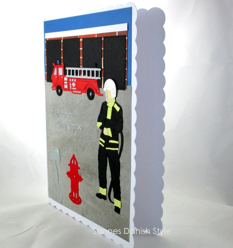 Kleinesbild - XL Grußkarte Feuerwehrmann, Geburtstagskarte, Feuerwehrwache, Feuerwehrauto, DIN A5 Format