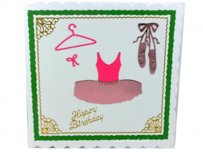 - Geburtstagskarte kleine Balletttänzerin, mit Ballettschuhe und Ballettkleid, die Karte ist ca. 15 x 15 cm - Geburtstagskarte kleine Balletttänzerin, mit Ballettschuhe und Ballettkleid, die Karte ist ca. 15 x 15 cm