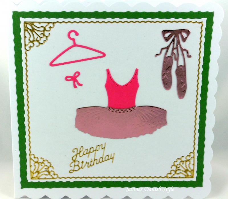 Kleinesbild - Geburtstagskarte kleine Balletttänzerin, mit Ballettschuhe und Ballettkleid, die Karte ist ca. 15 x 15 cm
