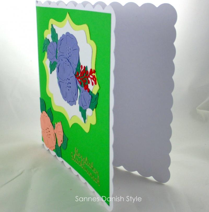 Kleinesbild - Schöne neutrale Geburtstagskarte mit Blumen, für viele Anlässe und Personen, die Karte ist ca. 15 x 15 cm