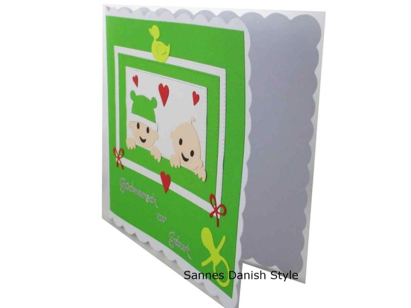 Kleinesbild - Babykarte für Zwillinge, Zur Geburt, Grußkarte, Zwillinge Geburtskarte, 3D Geburtskarte, die Karte ist ca. 15 x 15 cm