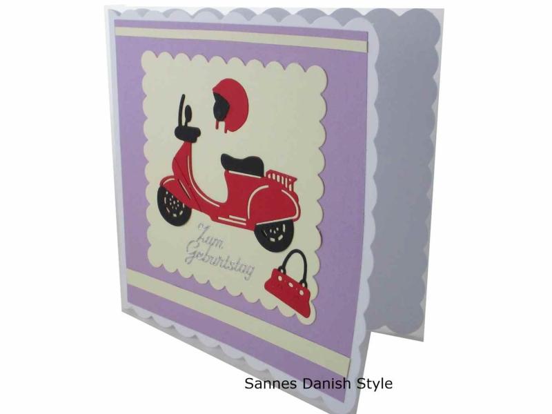 Kleinesbild - Grußkarte, Roller, Mädchen, 3D Geburtstagskarte, Moped, Mädchen, Motorroller, Helm und Handtasche, Karte für Mädchen,  die Karte ist ca. 15 x 15 cm
