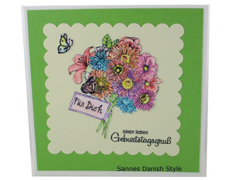 - Blumenkarte, 3D Geburtstagskarte, Blumenstrauß, Glückwünsche mit Blumen, Blumengruß für die Frau, schöne Blumenstrauß, die Karte ist 13,5 x 13,5 cm - Blumenkarte, 3D Geburtstagskarte, Blumenstrauß, Glückwünsche mit Blumen, Blumengruß für die Frau, schöne Blumenstrauß, die Karte ist 13,5 x 13,5 cm