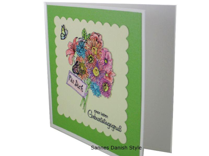 Kleinesbild - Blumenkarte, 3D Geburtstagskarte, Blumenstrauß, Glückwünsche mit Blumen, Blumengruß für die Frau, schöne Blumenstrauß, die Karte ist 13,5 x 13,5 cm