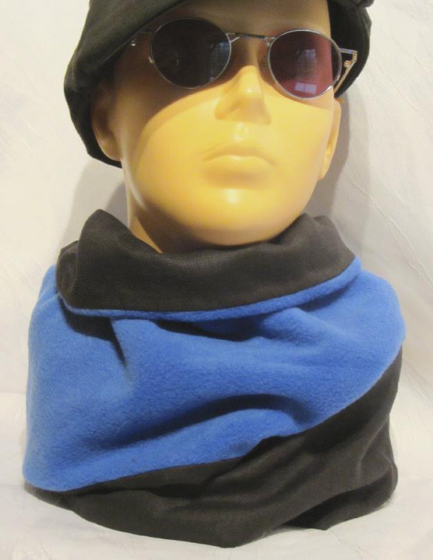 Kleinesbild - Rundschal ♡ Schlauchschal ♡ Männerschal handgemacht aus Fleecestoff und Baumwolljersey in Blau und Schwarz beidseitig tragbar kaufen