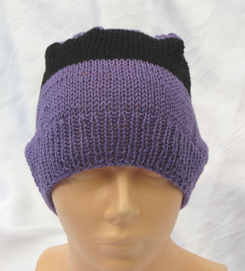 Kleinesbild - Handgestrickte Mütze Männer gestrickt aus Baumwolle in Lila und Schwarz kaufen