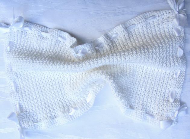 Kleinesbild - Gästehandtuch ♡ mit Satinband handgefertigt aus Baumwolle in Weiß kaufen