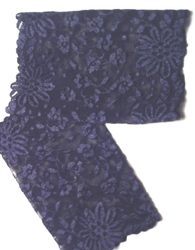 Kleinesbild - Elegante Armstulpen ♥ Stulpen handgenäht aus edlem Spitzenstoff in Schwarz für festliche Anlässe im schönen Design kaufen