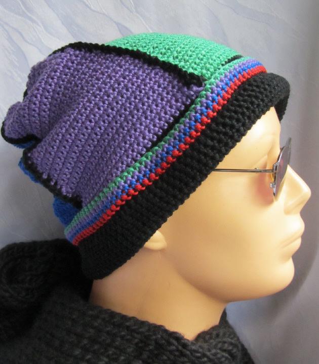 Kleinesbild - Mütze Männermütze handgehäkelt aus Baumwolle in den Farben schwarz, grün, rot, blau, vieolett kaufen