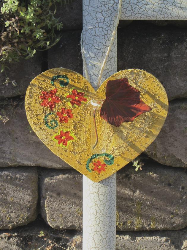 - Herz ♡ aus Sperrholz zugesägt handbemalt und mit einer kleinen Vase dekoriert kaufen - Herz ♡ aus Sperrholz zugesägt handbemalt und mit einer kleinen Vase dekoriert kaufen