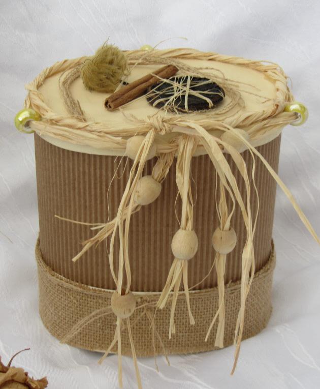 Kleinesbild - Handgefertigte Geschenkbox aus verschiedenen Materialien aus meiner Serie Natur kaufen