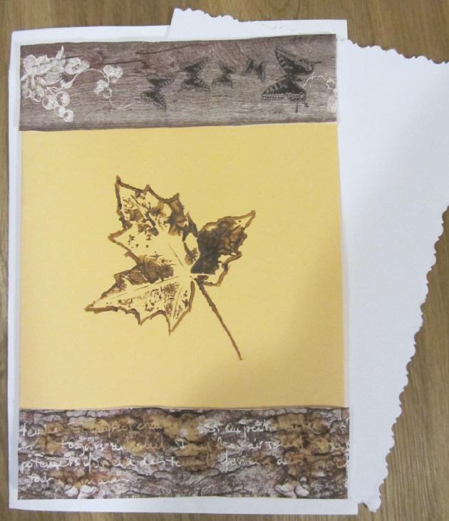 Kleinesbild - Grußkarte Faltkarte mit einem Herbstmotiv Herbstblatt handgemalt und gestaltet auf Tonzeichenpapier kaufen