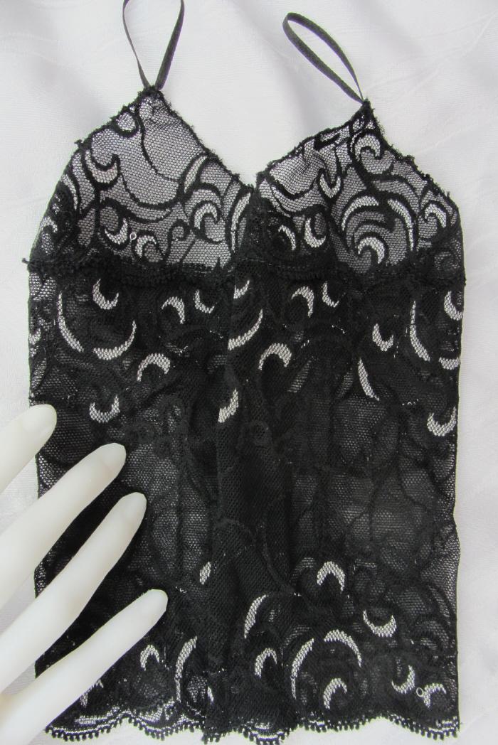 Kleinesbild - Handgefertigte Armstulpen ♥ zugeschnitten und genäht aus edler transparenter und elastischer Spitze mit Fingerschlaufen in Schwarz Grau mit schönem Muster für festliche Anlässe kau
