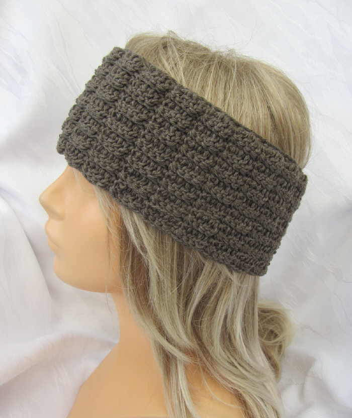 Kleinesbild - Handgehäkeltes Stirnband aus Baumwolle und Wolle in Schlamm mit Knöpfen in extravagantem Muster kaufen
