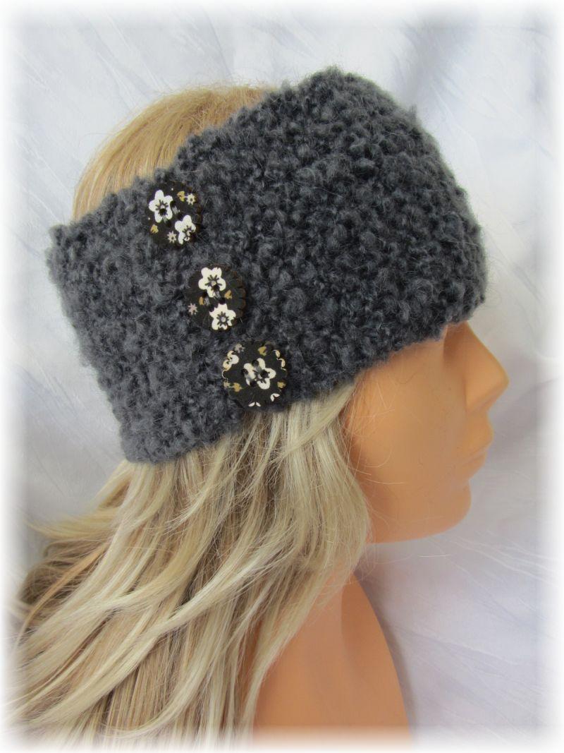 Kleinesbild - Handgestricktes stylisches Stirnband Damen gestrickt aus grauer Strukturwolle mit Knöpfen kaufen