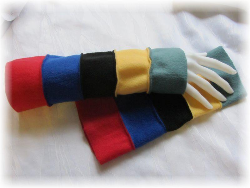 - Handgefertigte Armstulpen aus Fleecestoff in fünf kunterbunten Farben kaufen - Handgefertigte Armstulpen aus Fleecestoff in fünf kunterbunten Farben kaufen